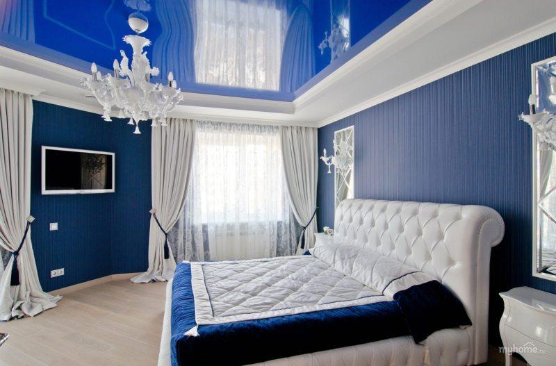 кімната в синьому кольорі